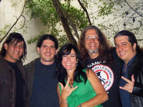 EL IDIOMA DEL ROCK y LA DESCARGA, presencia del rock en RNV Activa, de izquierda a derecha: Jhonny Rivero, Elvis Di Marcantonio, Anna María Marzella de Gillman, Paul Gillman y Enio Di Marcantonio.