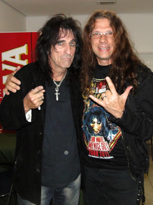 2 leyendas del rock...se comienza a plantear una posible actuación de Alice en un Gillmanfest